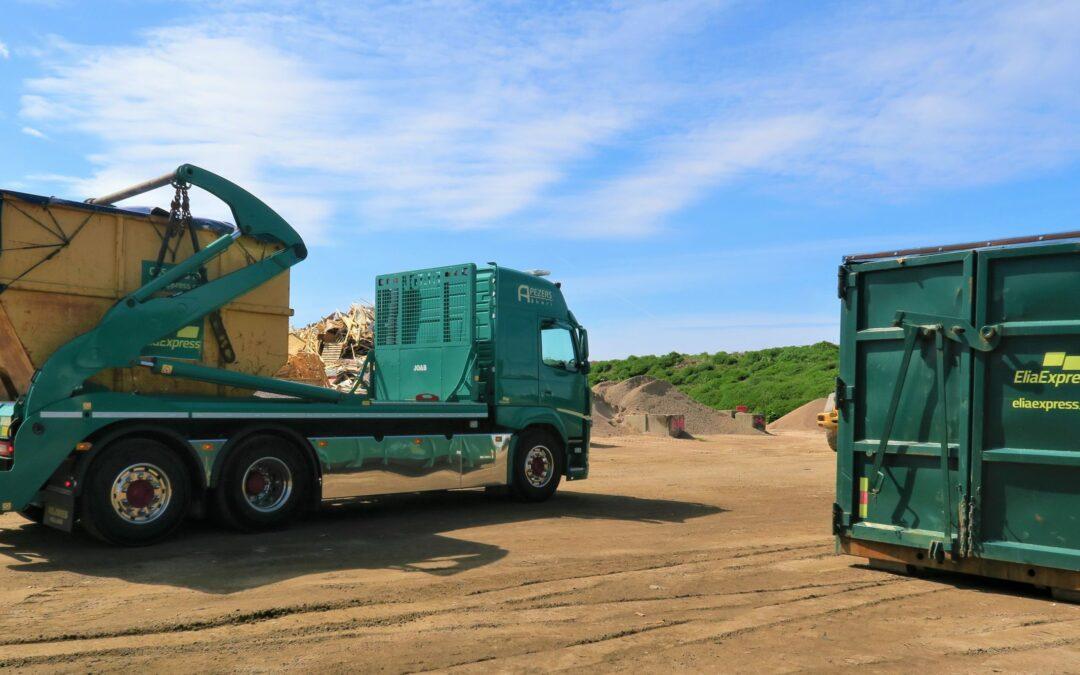 EliaExpress får efter offentlig upphandling fortsatt förtroende att reparera, blästra och lackera Halmstads Energi och Miljö ABs containrar från ÅVC:er och verksamheter.